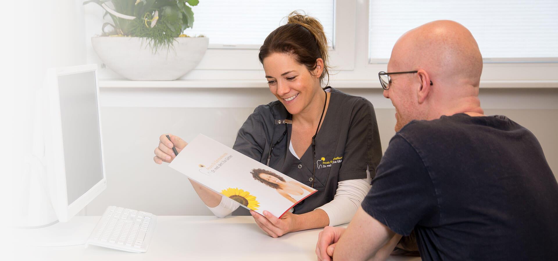 Beratung bei der Praxis für Zahnheilkunde Dr. med. dent. Eva Gärtner