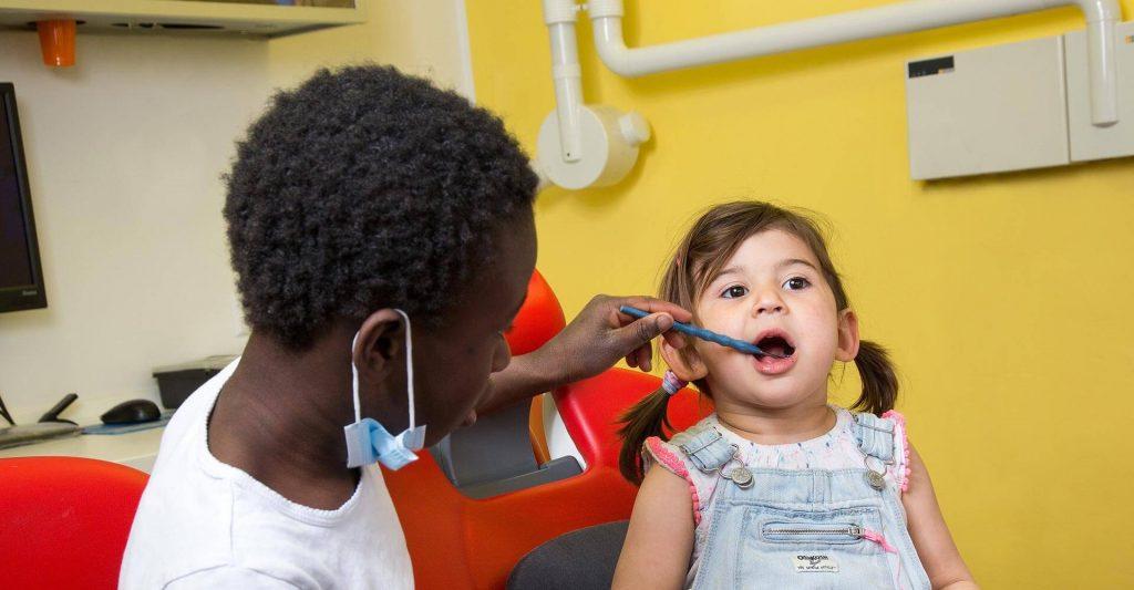 Behandlung Kinder - Praxis für Zahnheilkunde Dr. med. dent. Eva Gärtner